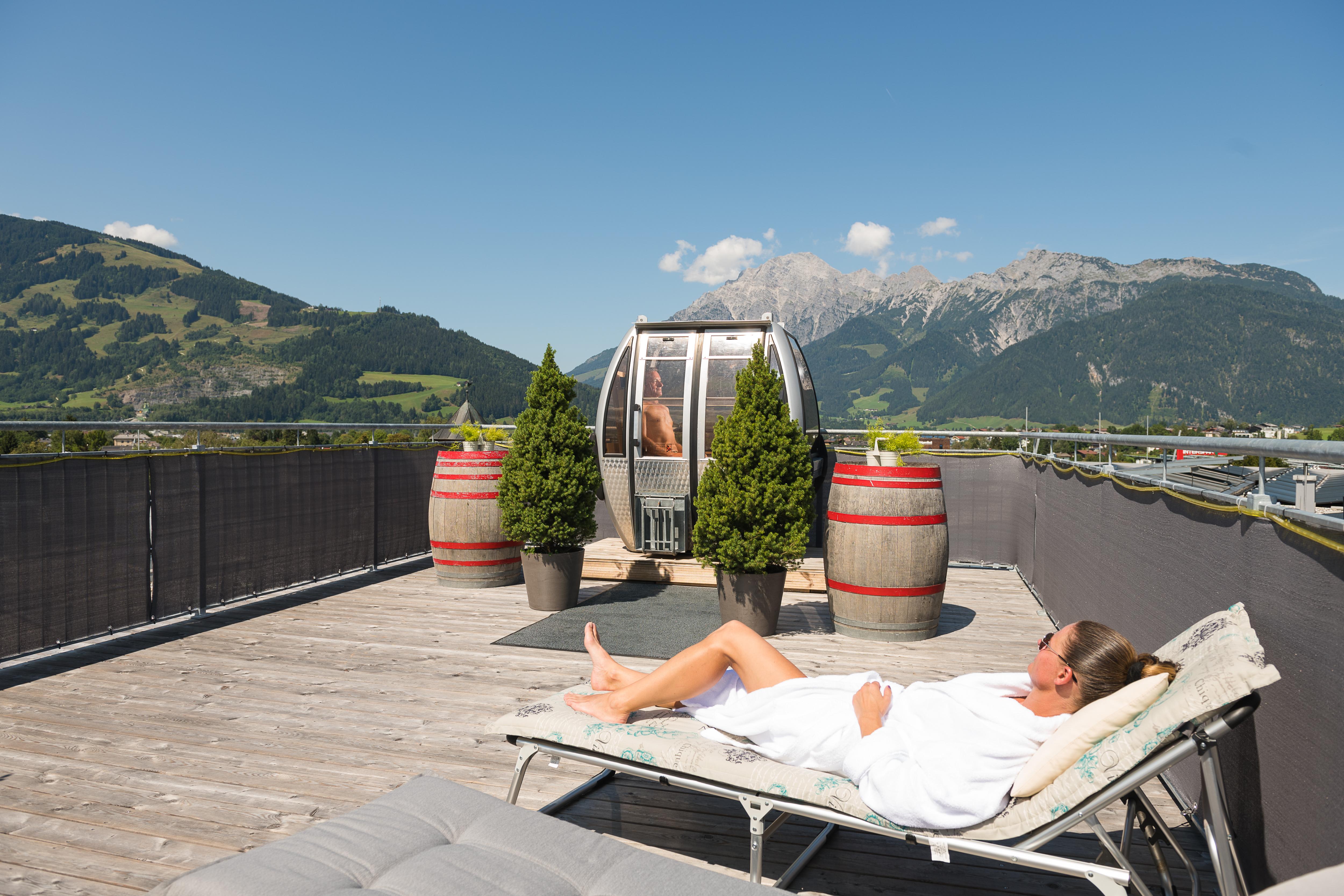 wellness saunalandschaft die hindenburg das boutique stadthotel in den bergen. Black Bedroom Furniture Sets. Home Design Ideas